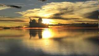 "ウユニ塩湖〜天国に一番近い場所 ""Salar De Uyuni""~ The place of most close to heaven. - YouTube"