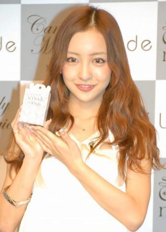 新CM女王・板野友美、マリコ様抜き21社目 「上からトモミ」宣言 最新トレンドニュース JOSHI+