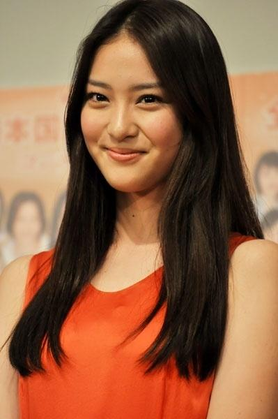 AKB48でお母さんにしたい1位「高橋みなみ」、彼女にしたい1位「大島優子」、嫁にしたい1位「篠田麻里子」