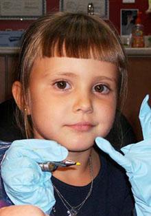 HEAVEN 世界最少齢のタトゥーアーチストを目指す3歳の女児―英