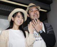 オリラジ中田・萌夫妻帰国「藤森が最初に泣いていた 困っちゃいました」 (スポニチアネックス) - Yahoo!ニュース