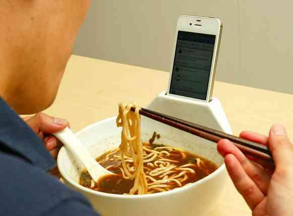 いまだかつてない食器登場。スマートフォン ラーメンどんぶり