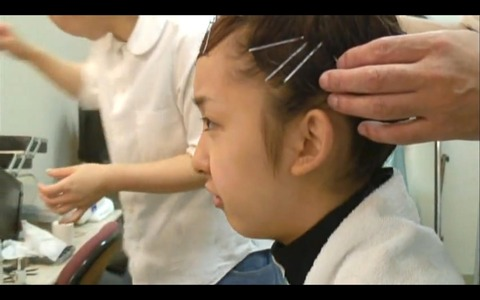 AKB48・板野友美が若者にアドバイス「自分を好きになって、自分を信じて諦めないことが大切」