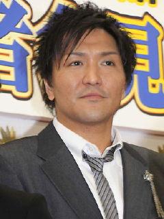 スリムクラブ・真栄田賢、浮気は否定するも妻に指輪など53万円分のお詫び
