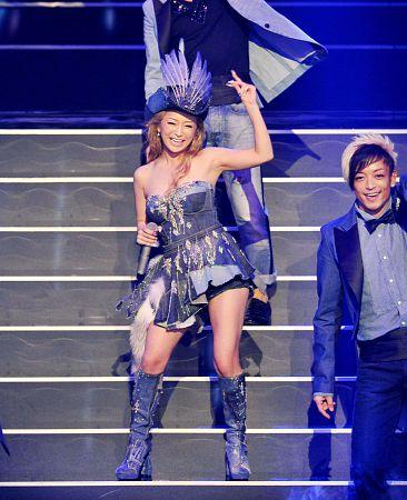 浜崎あゆみ、紅白歌合戦で衣装3変化&3曲メドレー 5年連続のトップバッターで自己記録を更新
