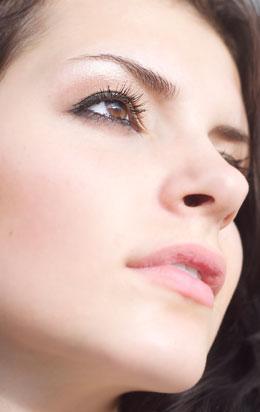 鼻の穴のデカさはお金の無さに比例する…「お金が消える」顔の特徴とは?