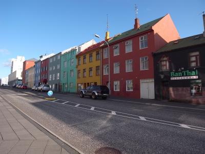 「アイスランドの街並みって、こんなに鮮やかだったんだ…」人気の写真