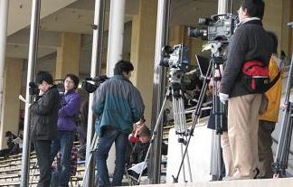 """""""報道の自由度""""日本は22位から53位に大幅後退www"""