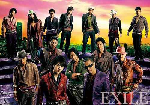 一緒にカラオケに行ったら盛り上がりそうなアーティストランキング…1位ゴールデンボンバー、2位EXILE、3位AKB48