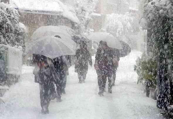 都心の大雪予報がハズレ気象庁に苦情相次ぐ…「電車が遅れたのは気象庁のせいだ!」