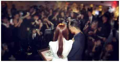 鈴木えみ、夫と2ショットで結婚報告
