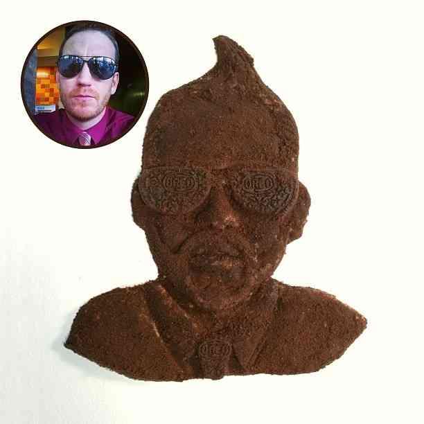 これは凄い!「オレオ」のクリームとクッキーから作った白と黒の彫刻作品
