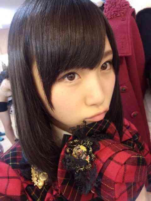 AKB48高橋朱里、メンバーの下着姿を晒すww