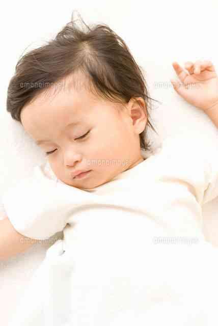 子どもの寝顔を見ながら思うこと
