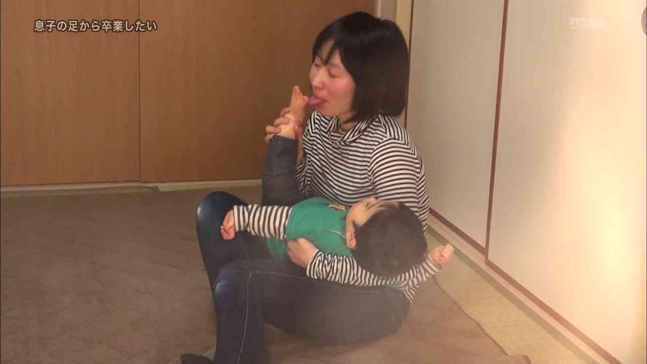 【閲覧注意】探偵ナイトスクープで息子の足が好きすぎてしゃぶりまくる母親