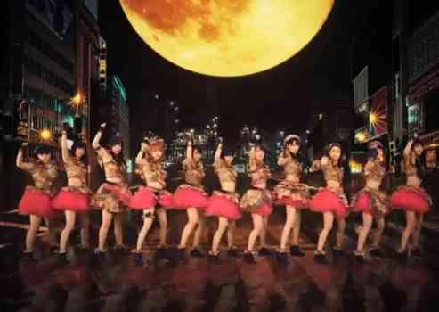 モーニング娘。新曲「Help me!!」のダンスが凄いと人気