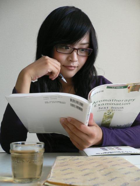 中卒の道端カレン「勉強しに学校通いたい」と今思う