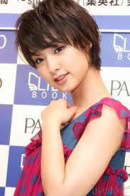 武井咲、生まれ変わったら「普通の19歳になりたい」とポロリ