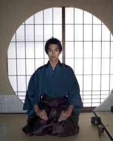 松田翔太、4月スタートのTBS系主演ドラマ「潜入探偵トカゲ」で名探偵を演じる