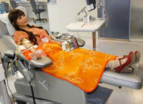 中川翔子、人生初献血にご満悦「マンガや飲み物があって幸せ」