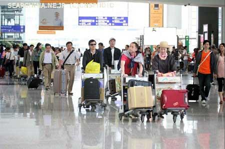 中国人がビザ無しで日本に渡航できるようにすべきだ!…沖縄タイムス