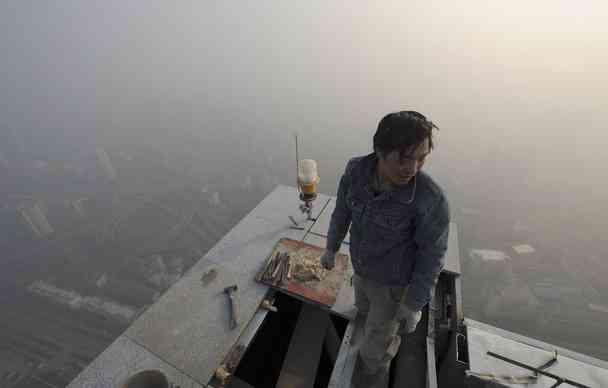中国の大気汚染、米国が「人間が住めないレベル」と警告!肺がん物質PM2.5、AQI指数1000オーバー