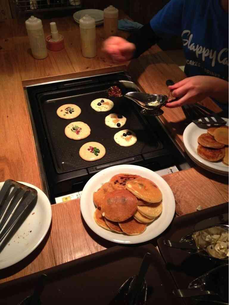 日本上陸!自分で焼くパンケーキレストラン「Slappy Cakes」♪
