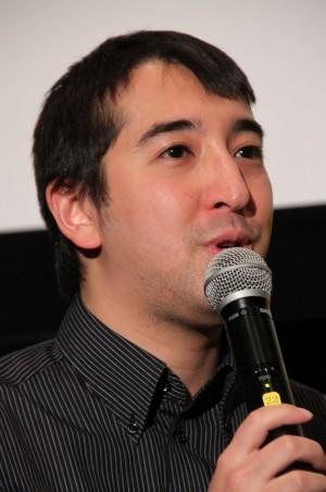 黒田勇樹「『抗議のヌードグラビア』安価にお受け致します」…写真週刊誌でセミヌード写真を披露する妻に対抗
