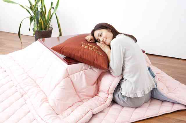 死に至る危険も…「こたつ寝」で起こる恐ろしい症状5個