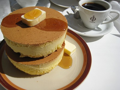 Yahoo!知恵袋に投稿された「ホットケーキが冷めたら、ホットケーキじゃなくなりますか?」の回答が斜め上を行っている