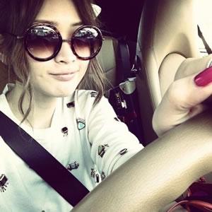 紗栄子、車をブログに掲載→「ポルシェか?」と話題に