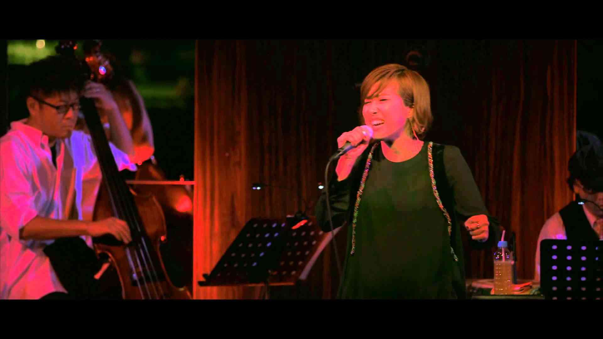 Grenade - Bruno Mars Cover by GILLE(ジル) [from 2012.10.3 ショーケース・ライブ] - YouTube