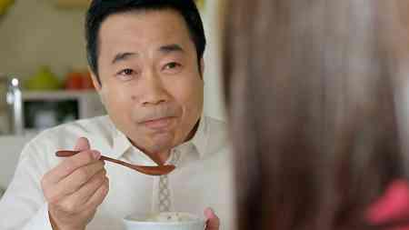 前田敦子「麻婆豆腐の素」CMで三宅裕司の娘役、子どものころの秘蔵写真も公開