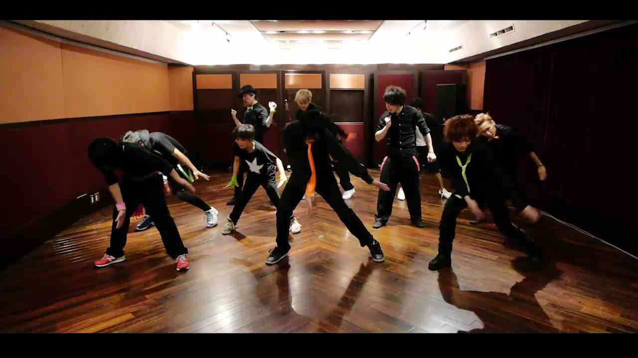 男10人で モーニング娘。 - ワクテカ Take a chance を踊ってみた.HD - YouTube