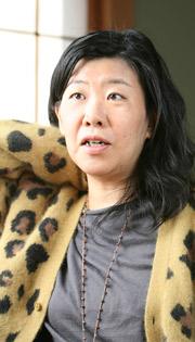 よしもとばなな氏が「an・an」に韓国俳優で歌手のイ・スンギをモデルにした恋愛小説『僕たち、恋愛しようか?』を連載
