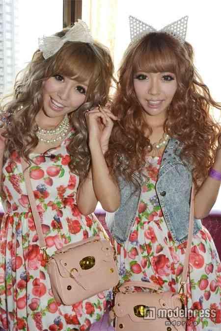 人気双子モデルの吉川ぐり&ぐらの妹ぐら、整形を検討中 医師からのススメも…