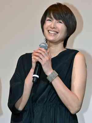 妊娠中の吉瀬美智子、ふっくらおなかを披露 仕事納めを報告 - シネマトゥデイ