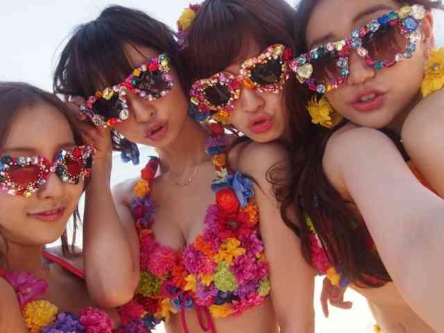 AKB48・小嶋陽菜、大島優子・板野友美・篠田麻里子との4ショットを公開→ファン「この世のものとは思えない…」「麻里子様意外と巨乳」