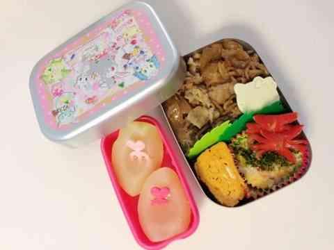 辻希美、園児の娘に豚丼弁当を持たせる→高校生男子みたいな弁当と批判殺到www