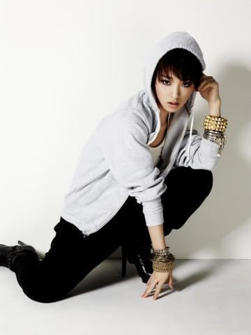 剛力彩芽、歌手デビューに向け活動開始「まだまだ緊張している私ですが…」