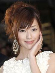 綾野剛とついに破局 戸田恵梨香が朝まで密会するジャニタレの名前 - リアルライブ
