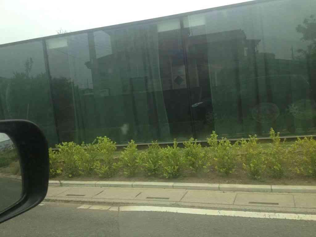 ドリームハウスの全面ガラス張りの家の現在の様子をご覧下さいwww