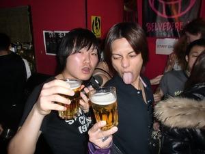 山下智久が7月8日スタートのフジテレビ系月9ドラマ「SUMMER NUDE」の主題歌で真心ブラザーズの「サマーヌード」をカバー