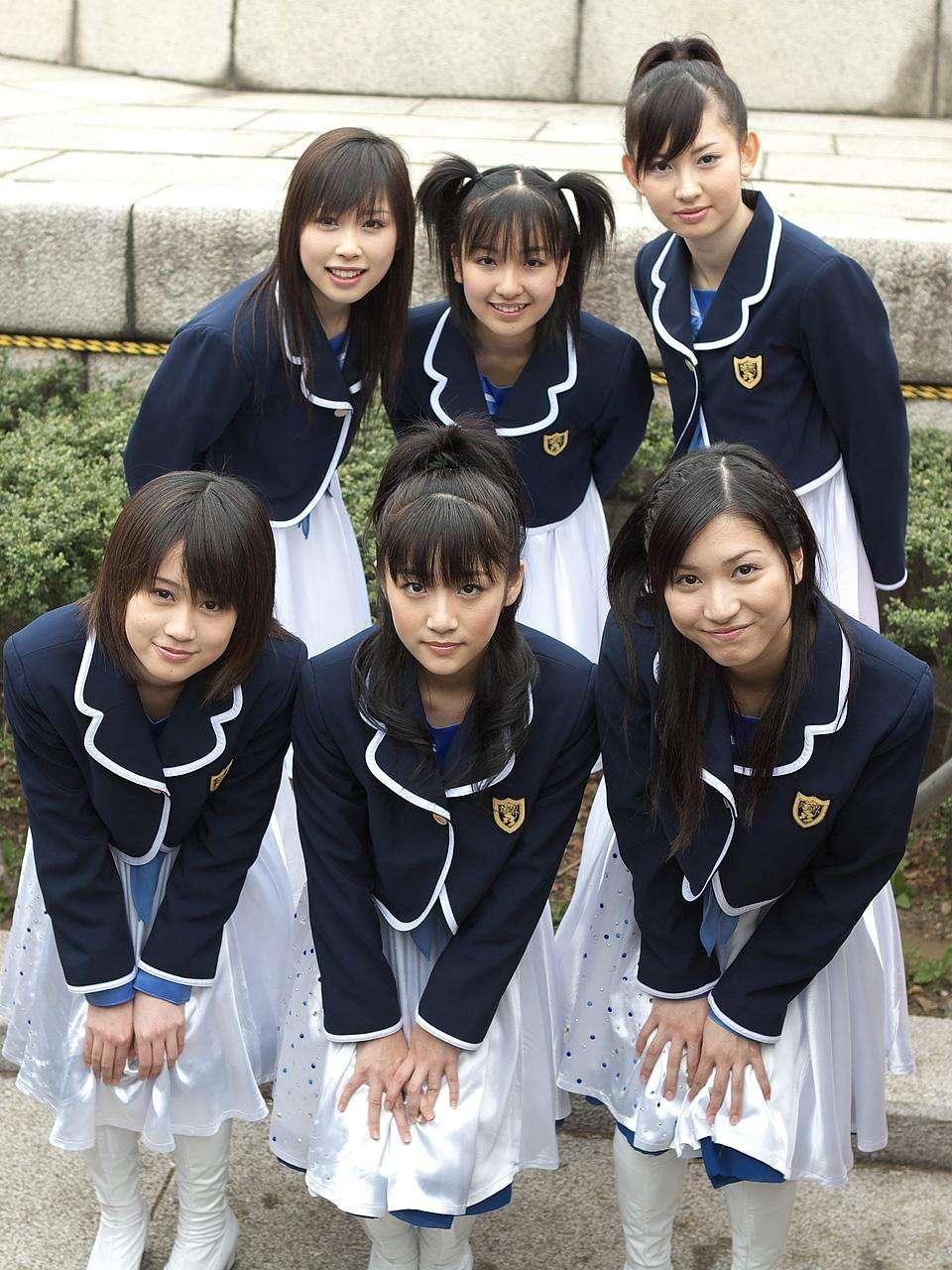 元AKB48やまぐちりこ、歌手デビューさせると言われAVへ→ 歌手デビュー嘘でした ((((;゚Д゚)))