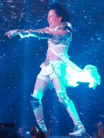 西川貴教、吹雪のなか熱唱で思わぬ代償「火傷した」