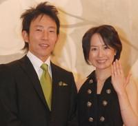 """山川恵里佳、おさるとの""""離婚発言""""払拭 妻としてサポート誓う (オリコン) - Yahoo!ニュース"""