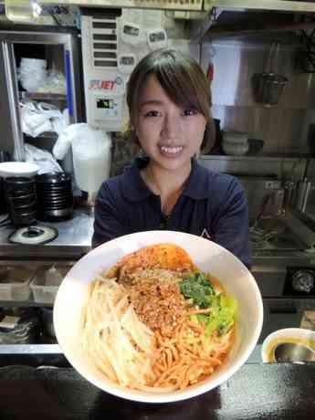 神田経済新聞、上半期PV1位は「美人すぎる店主のラーメン店」 - 神田経済新聞