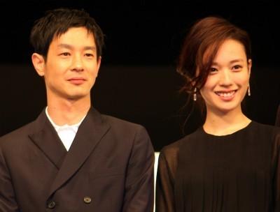 多部未華子の顔があまりにも小さくて、戸田恵梨香が公開処刑状態に