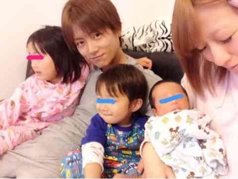 杉浦太陽、辻希美との入籍記念日を迎え家族で「7」の文字を作る