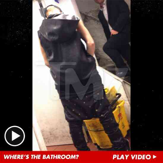Justin Bieber Pisses Into Restaurant Mop Bucket -- 'F*** Bill Clinton!' [VIDEO] | TMZ.com